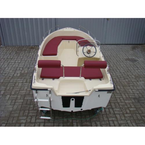 Лодка «VIPR 420 LUX»